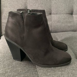 Like New Banana Republic Black Suede Bootie